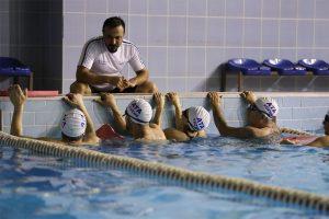 Yetişkin Büyüklere Özel Grup Yüzme Görselleri
