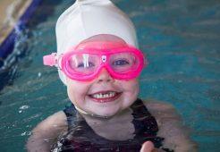 Bebeklerin Yüzmesi Boy Uzatır Mı?