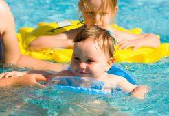 Bebekler Yüzmeye Ne Zaman Başlamalı?