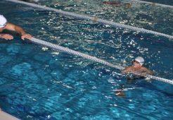 Yüzmeyi Profesyonel Eğitmenlerden Öğrenin